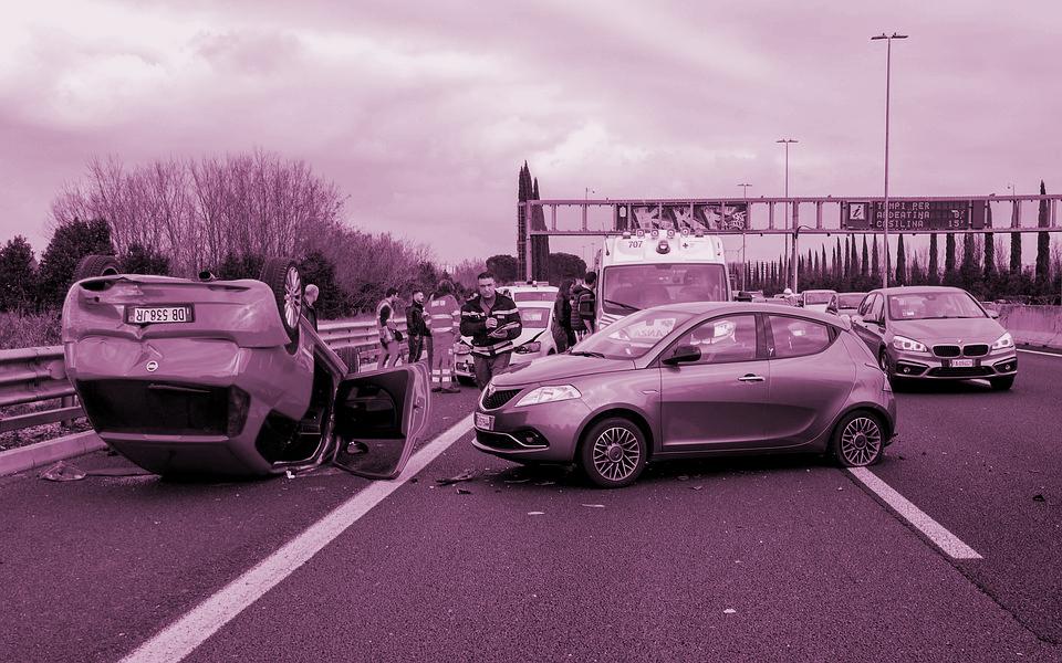 ¿Responde el propietario del vehículo de los daños causados por el conductor no propietario?